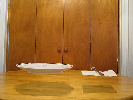 Levitating Dinnerware by Sarah Manspile