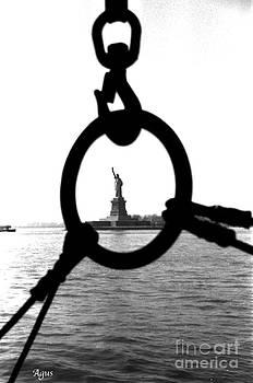 Agus Aldalur - Libertad entre cadenas
