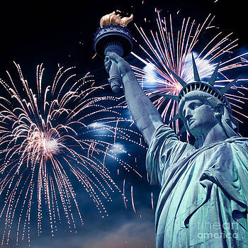 Delphimages Photo Creations - Liberty fireworks