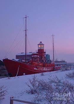 Light Ship by John Williams