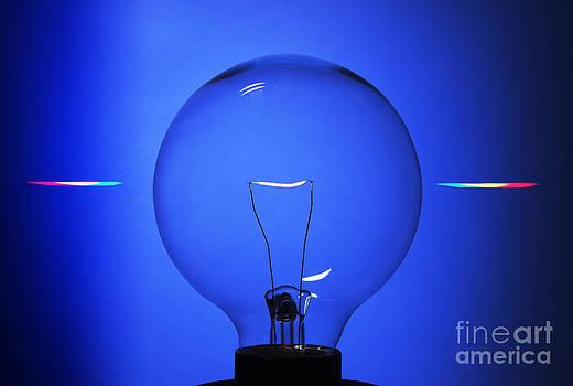 GIPhotoStock - Lightbulb Seen Through Diffraction