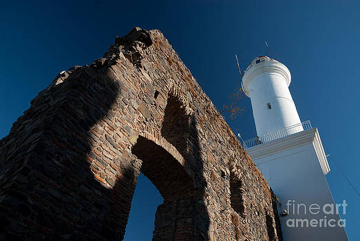 Lighthouse and ruin of the Convento de San Fransisco in Colonia - Uruguay by OUAP Photography