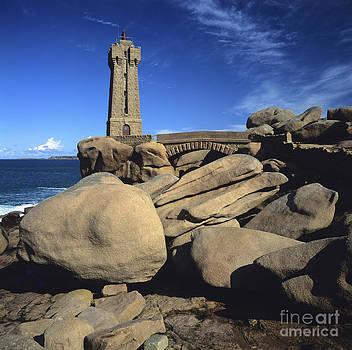 BERNARD JAUBERT - Lighthouse Ploumanac