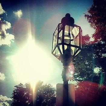 #lightpost #sun #sonnn by James Hamilton