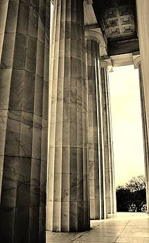 Julie Grandfield - Lincoln Memorial Columns