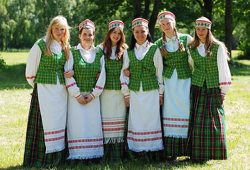 Ramunas Bruzas - Lithuanian Girls