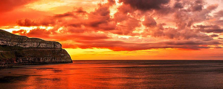 LLandudno Sunset by Regie Marshall