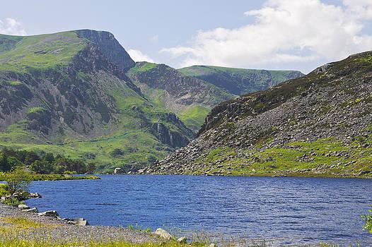 Llyn Ogwen Snowdonia by Jane McIlroy