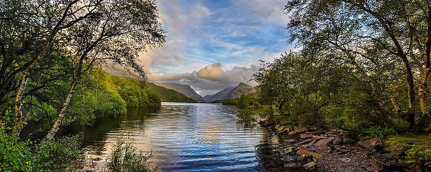 Llyn Padarn Llanberis Snowdon Snowdonia by Regie Marshall