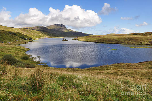 Loch Fada to Old Man of Storr by Bel Menpes