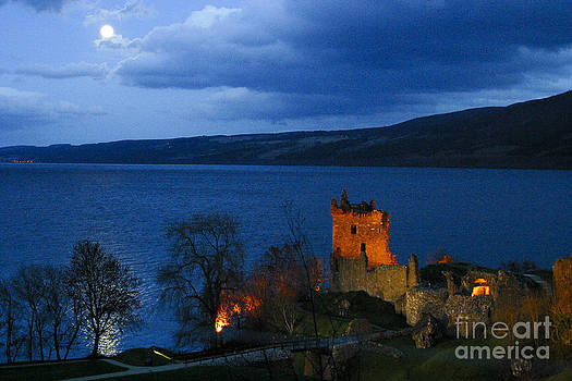 Loch Ness and Urquhart Castle by Alan Oliver