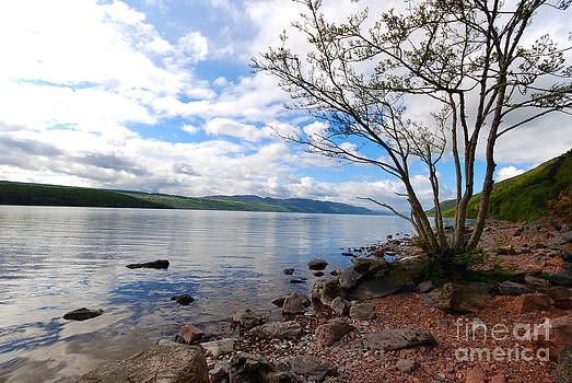 Pravine Chester - Loches of Scotland