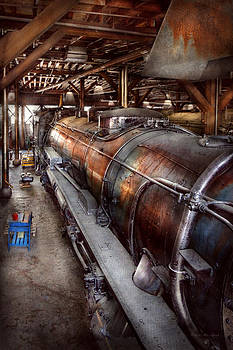 Mike Savad - Locomotive - Routine maintenance