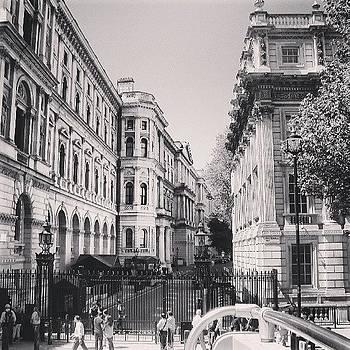 London by Abdelrahman Alawwad