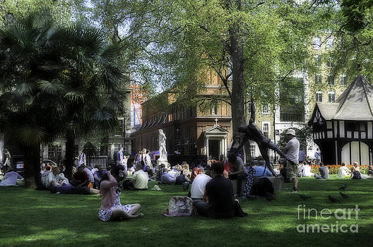 London Park by Andres LaBrada