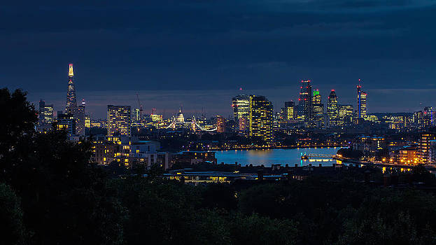 London Skyline by Wayne Molyneux