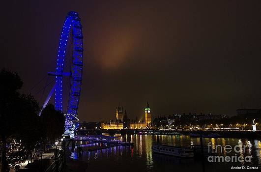London's skyline at night by Andre Correa