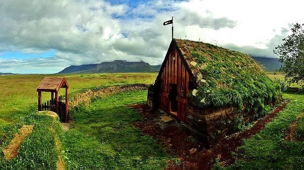 Sarah Pemberton - Lonely Chapel