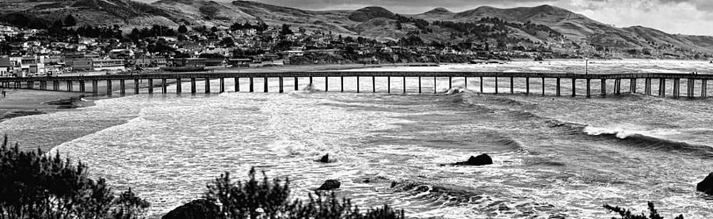 Long Pier by Joe Josephs