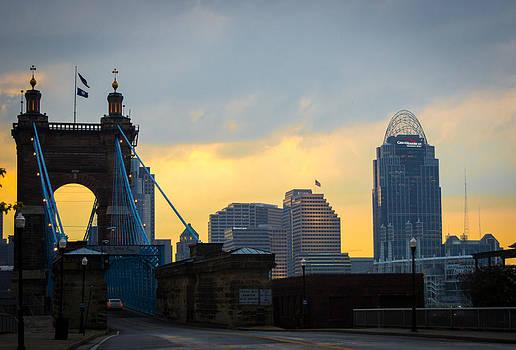 looking north to Cincinnati by Randy  Shellenbarger