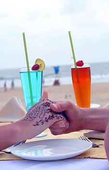 Love by the beach side by Adrian Barreto