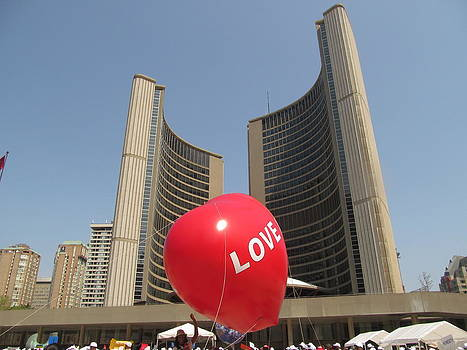 Alfred Ng - love in Toronto City Hall