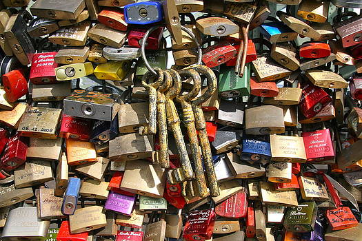 Love locks at Hohenzollernbruecke by Xanat Flores