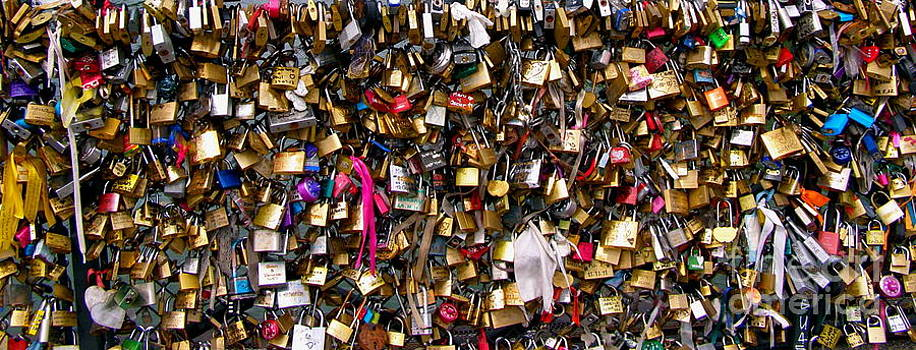 Carolyn Kami Loughlin - Lovers Padlocks