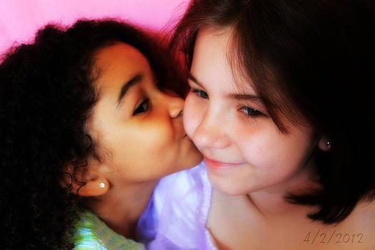 Rebecca Frank - Loves her sis