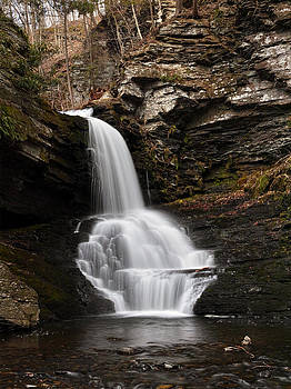 Lower Bridesmaid Falls by Tim Devine