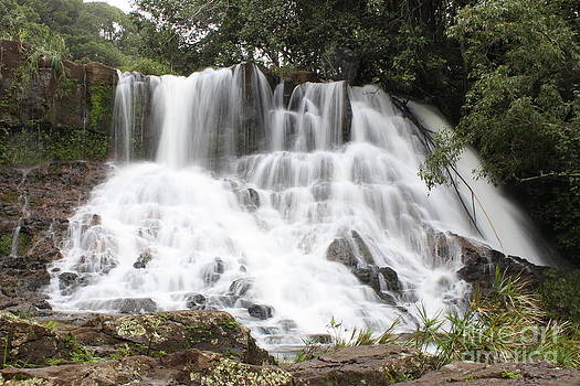Lower Hoopii Falls by Erik Barker