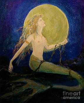 Luna by Maureen Girard