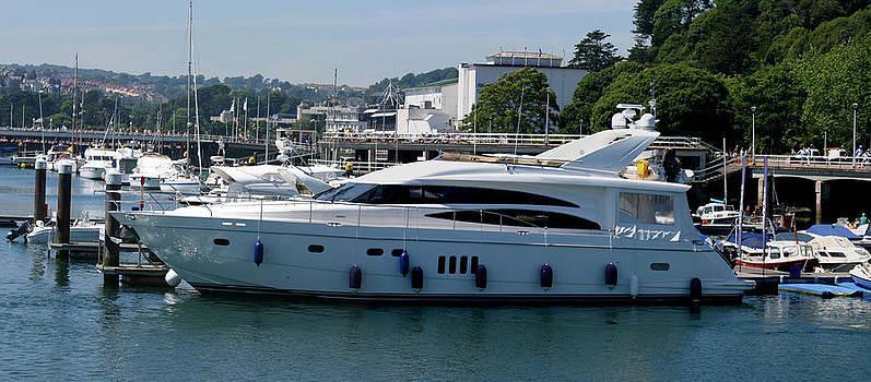 Luxury Motor Yacht by Gillian Dernie