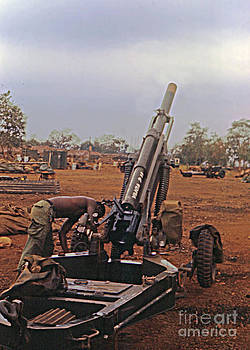 California Views Archives Mr Pat Hathaway Archives - M102 105mm light towed howitzer  2 9th Arty at LZ Oasis R Vietnam 1969