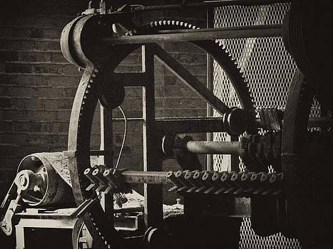 Ann Tracy - Machines