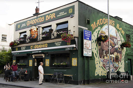 RicardMN Photography - Maddens Bar in Belfast