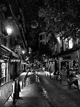 Madrid Side Street by Cary Shapiro