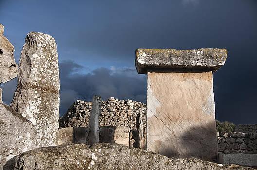 Pedro Cardona Llambias - Bronze edge in Minorca called Talaiotic age unique at world - Magic Island 1