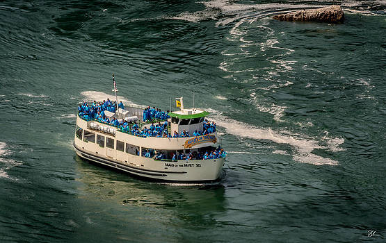 Maid of the Mist by Pat Scanlon