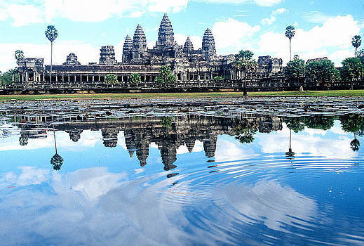 Main Sanctuary of Angkor Wat by Gary Heiden