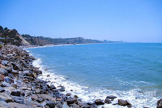 Malibu Shoreline by Kae Art