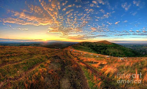 Yhun Suarez - Malvern Hills Sunset 2.0