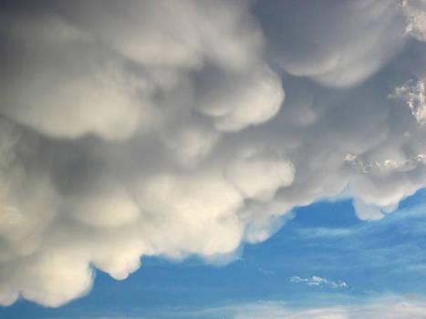 Lara Ellis - Mammatus Clouds