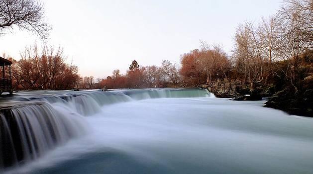 Manavgat waterfall by Kazim Yurekli