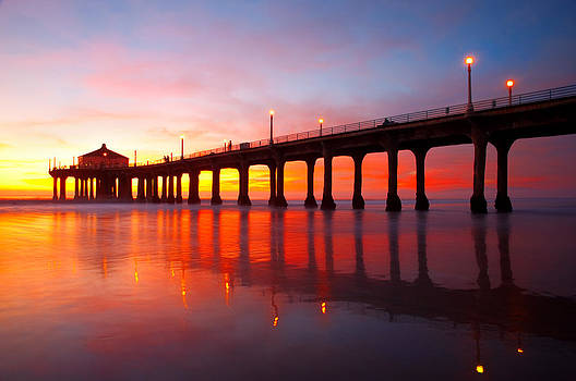 Manhattan Beach Pier by Darren Bradley