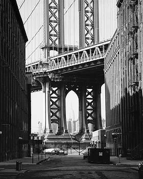 Manhattan Bridge by Dave Beckerman