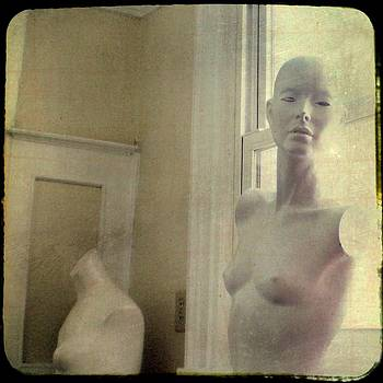 Gothicrow Images - Mannequin In The Window
