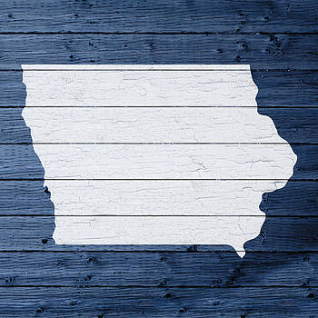 Design Turnpike - Map Of Iowa State Outline White Distressed Paint On Reclaimed Wood Planks