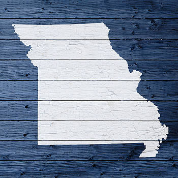 Design Turnpike - Map Of Missouri State Outline White Distressed Paint On Reclaimed Wood Planks