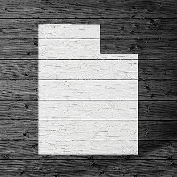 Design Turnpike - Map Of Utah State Outline White Distressed Paint On Reclaimed Wood Planks
